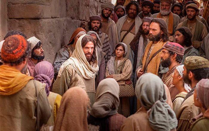 Jesús ante la gente, Estos son mi madre y mis hermanos